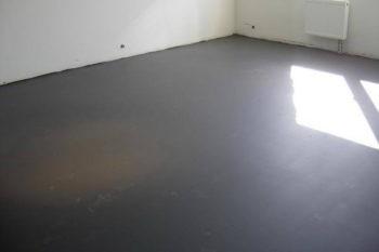 Наливной пол или стяжка что лучше: чем отличается цементная стяжка от наливного пола